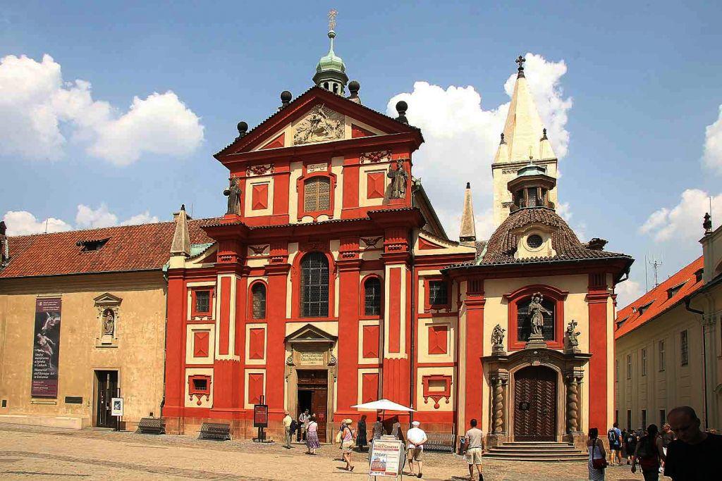 Aziz George Bazilikası (Bazilika svatého Jiří)