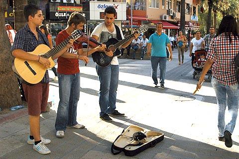 sokak-müzisyenliği